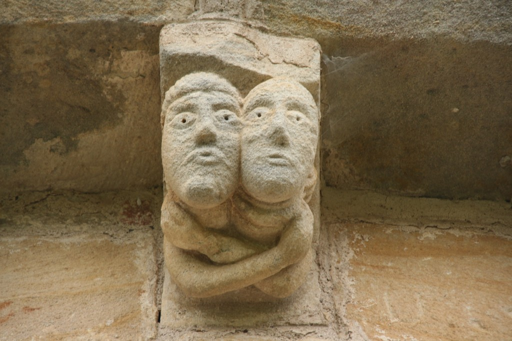 couple de modillons de l'église de